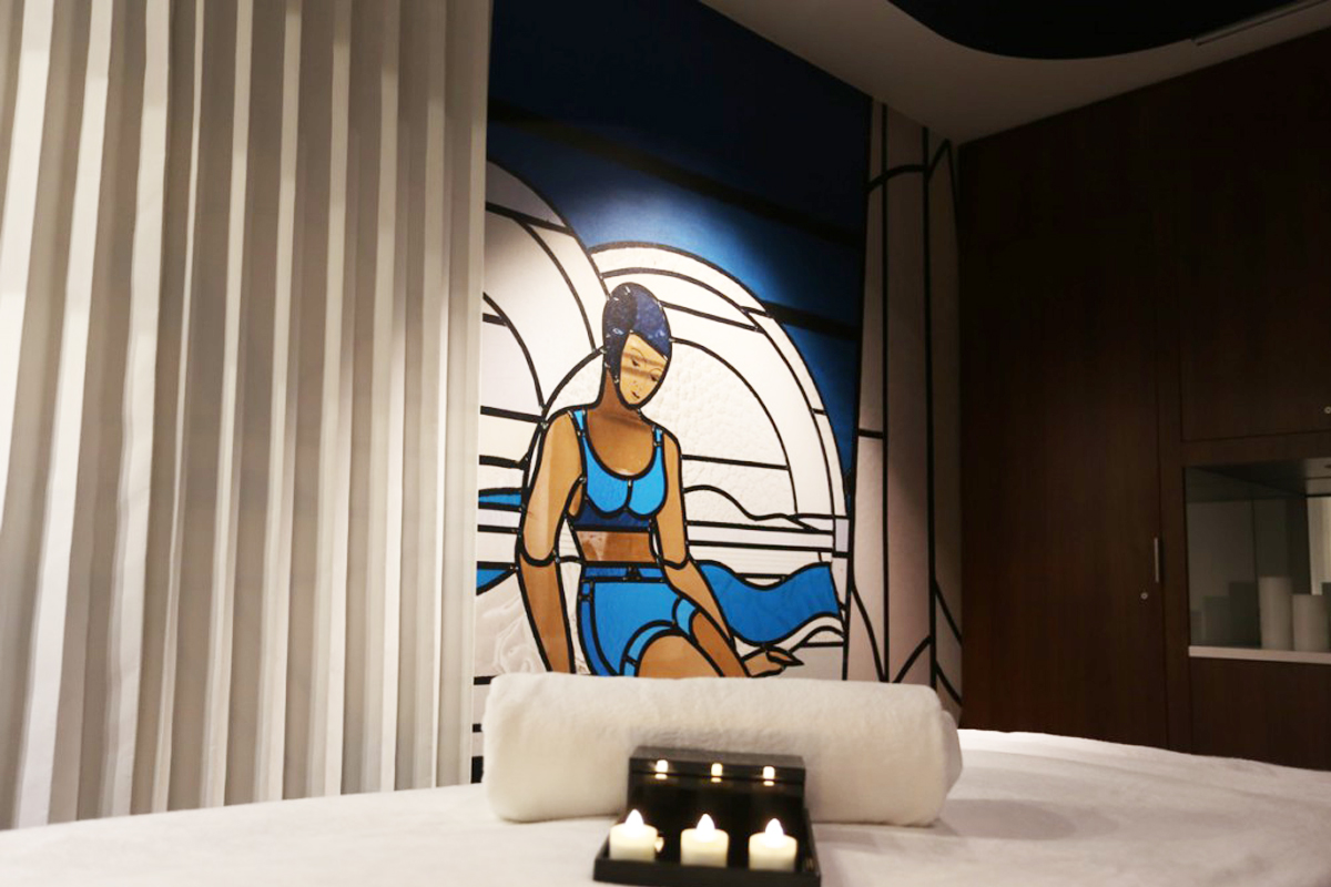 Diving into art deco splendour for Art deco piscine