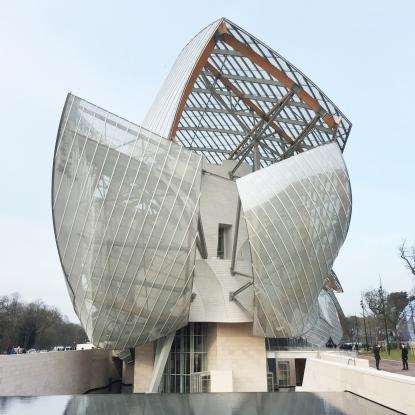 Arriving at La Fondation Louis Vuitton