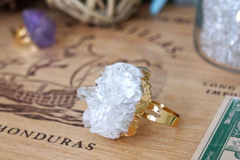 Labellecrush-trend-raw-stone-jewellery05