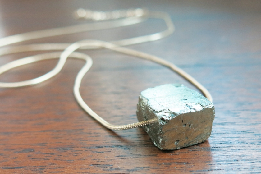Labellecrush-trend-raw-stone-jewellery06
