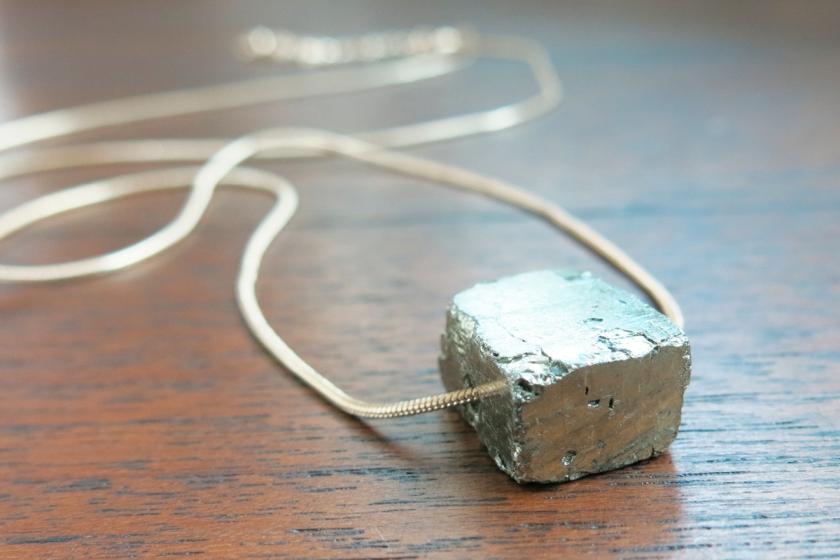 Labellecrush-trend-raw-stone-jewellery06